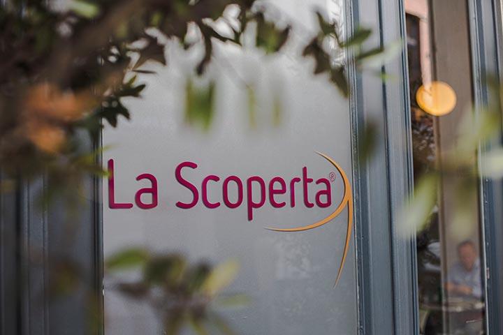 Inkomdeur La Scoperta